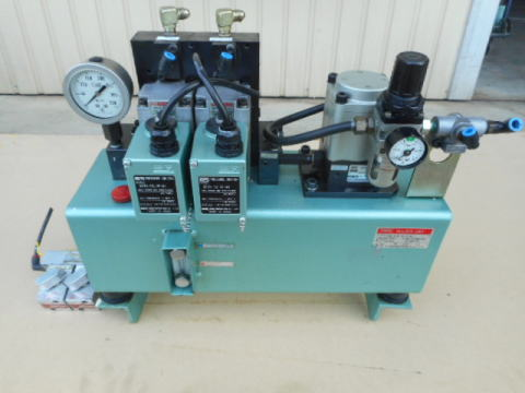 油圧ユニット SRエンジニアリング HU2-2P-70-10-A1 中古