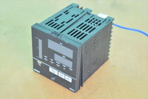 温度調節機 オムロン E5AK 中古